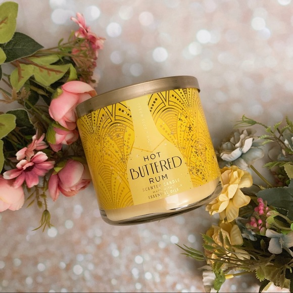 Bath and body works bbw candle hot buttered rum